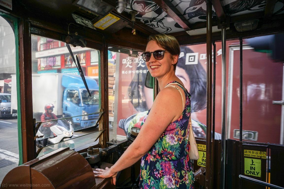 Hongkong Sightseeing, Mit der Straßenbahn durch die Stadt