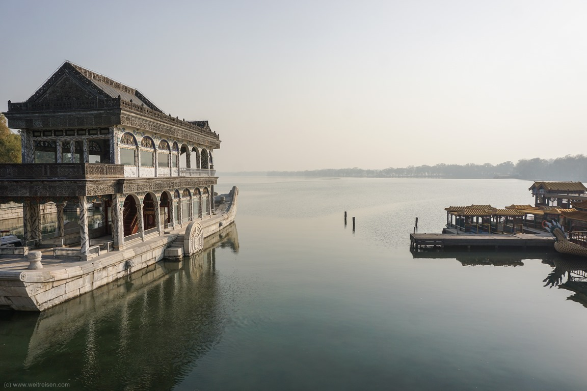 Sommerpalast Beijing, Marmorboot